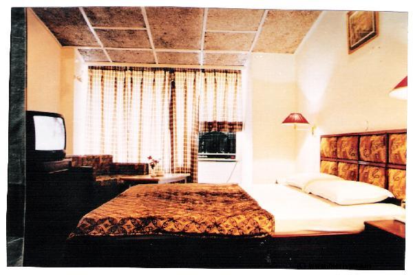 Hotel Vardaan hotels
